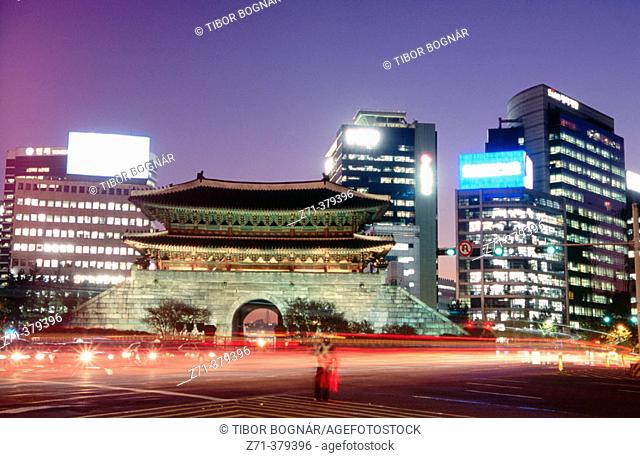 South Gate (Namdaemun) at night. Seoul. South Korea