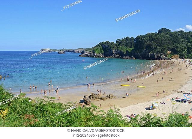 Summer day in Toranda beach, Niembro, Asturias