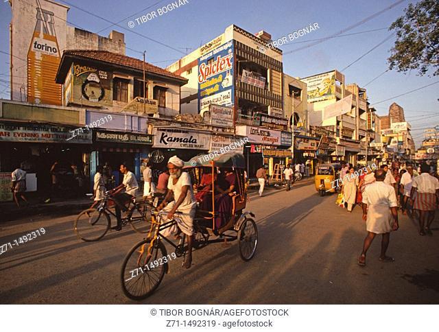 Street scene, Madurai, Tamil Nadu, India