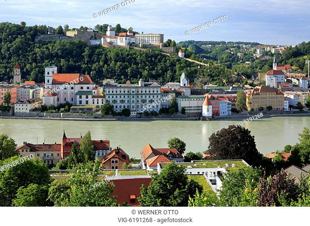 DEUTSCHLAND, PASSAU, 18.06.2018, D-Passau, Danube, Inn, Ilz, panoramic view with Danube and old town, f.l.t.r. town hall, Jesuits church St