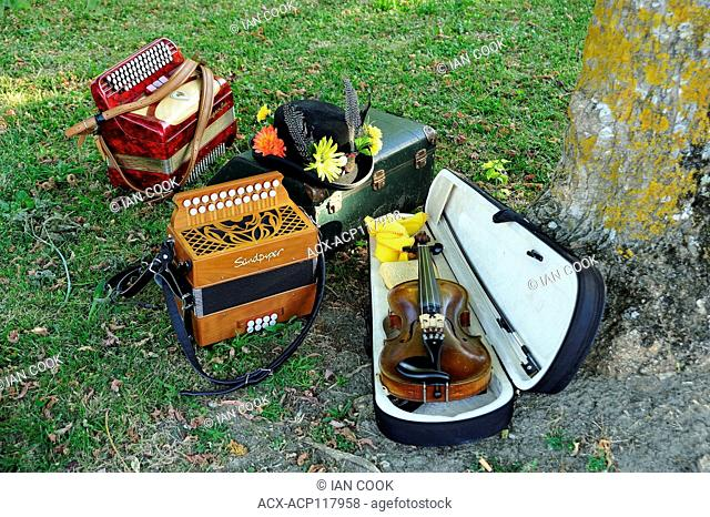 violin, melodian and accordian, Bournel, Lot-et-Garonne Department, Aquitaine, France