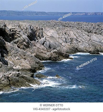 Spanien, Menorca, Balearen, E-Fornells, Felsenkueste Spain, Minorca, Balearic Islands, E-Fornells, rocky coast - Fornells, Menorca, Balearen, Spain, 01/01/2014