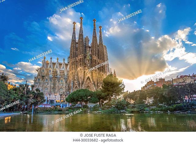 Barcelona City, Gaudi architect, Sagrada Familia Temple, spain, sunset