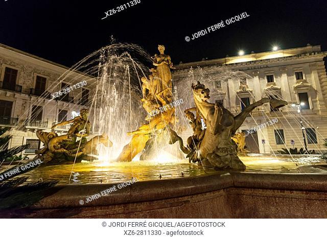 Fontana di Diana - or Artemide -, Ortigia, Siracusa, Province of Siracusa, Sicily, Italy, Europe