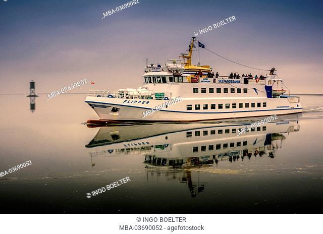 Germany, Hamburg, Cuxhaven (town), Neuwerk (district), ferry, pinball