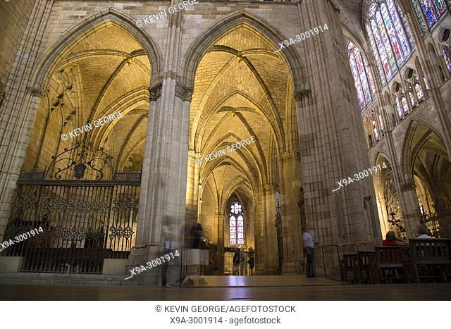 Nave, Ceiling and Stained Glass Windows, Cathedral Church, Leon, Spain
