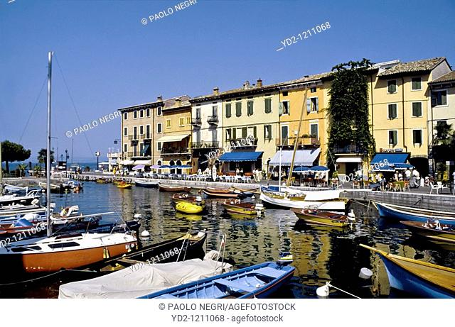 Italy, Lake Garda, Lazise. view of the harbour