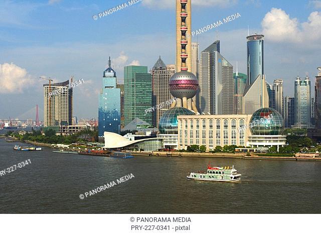 the scene of Shanghai city along the Huangpujiang River,China