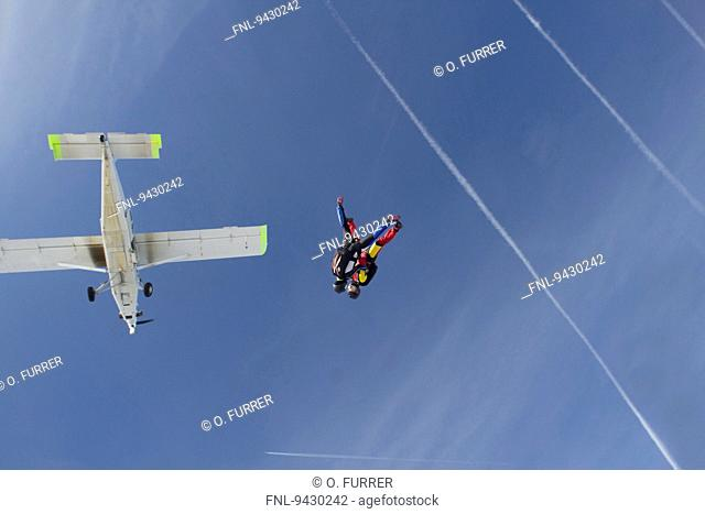Two skydiver, Eschbach, Baden-Wuerttemberg, Germany, Europe