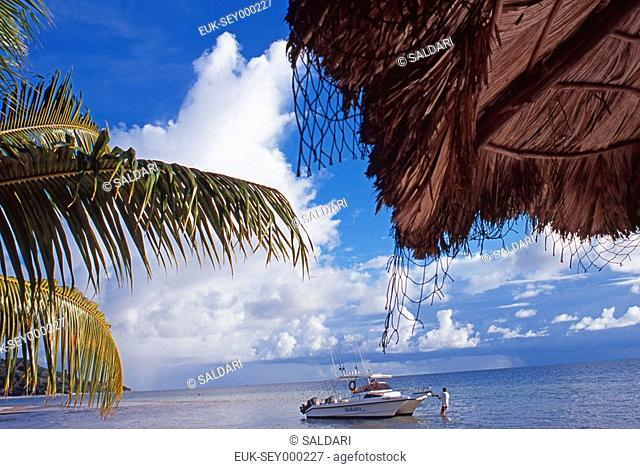 The beach to Praslin in Seychelles