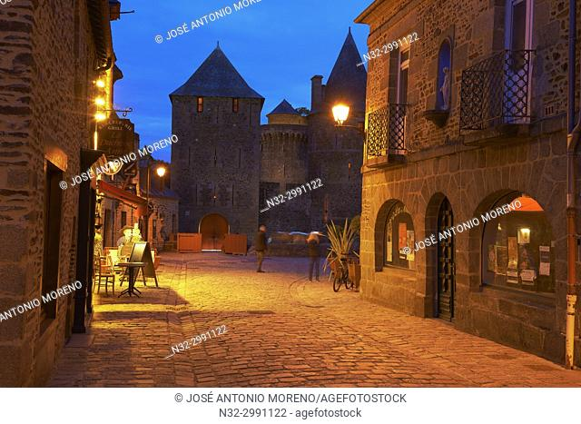 Fougeres, Castle, Dusk, Ille-et-Vilaine, Bretagne, Brittany, France