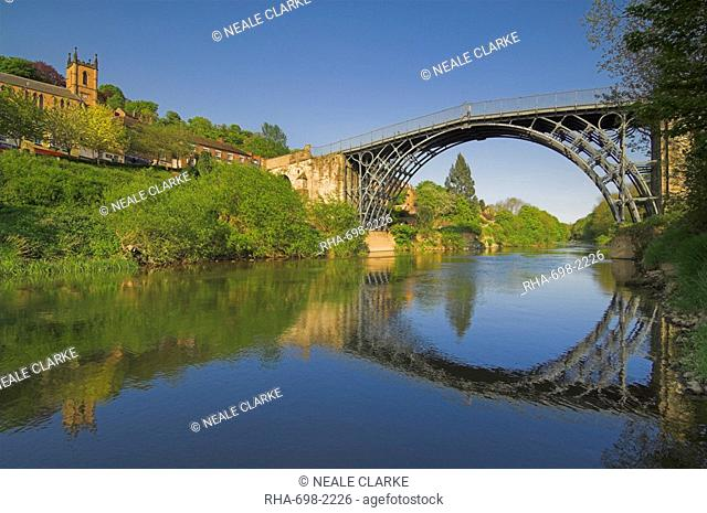 The world's first Ironbridge built by Abraham Darby over the River Severn at Ironbridge Gorge, UNESCO World Heritage Site, Shropshire, England, United Kingdom