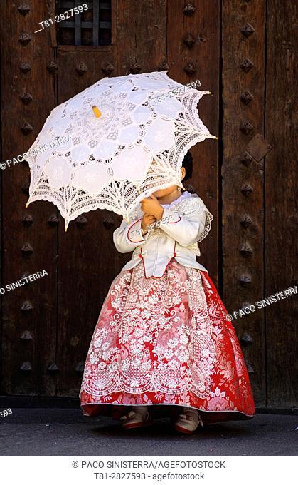 Valencia, Cathedral, girl with umbrella