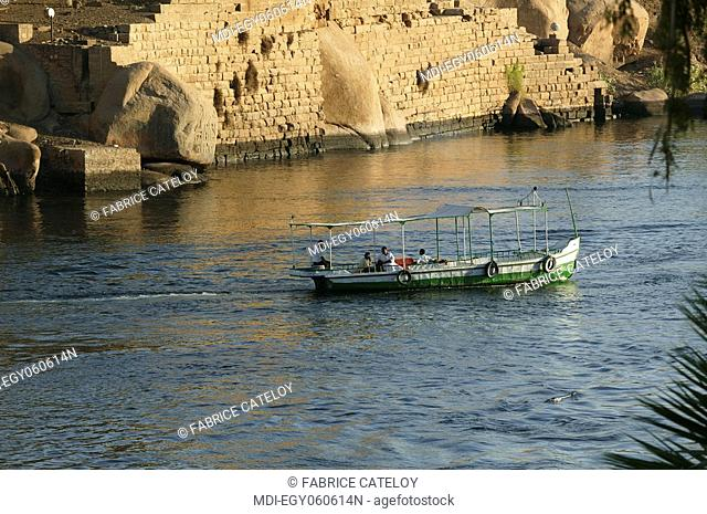 Motorboat on the Nile at the foot of the Elephantine Island