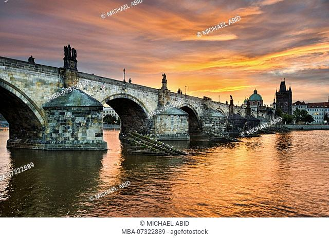 Sunrise at the Charles Bridge in Prague, Czech Republic