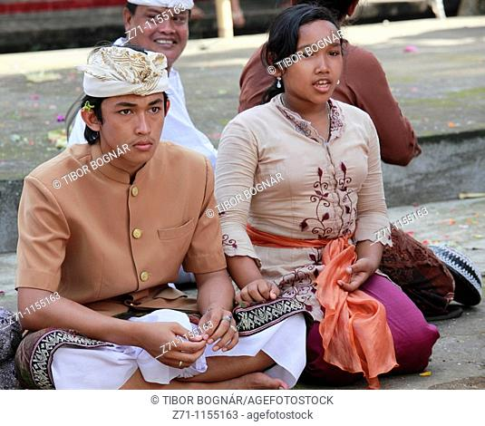 Indonesia, Bali, Mas, temple festival, young couple, odalan, Kuningan holiday