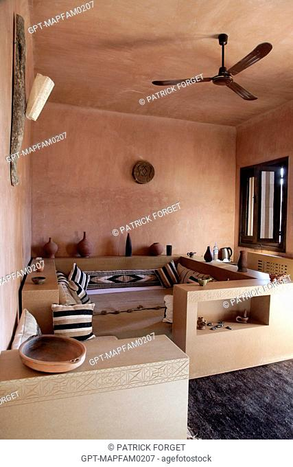 LOUNGE, ECO-LODGE DESIGNED IN PURE BERBER TRADITION WITH COMFORT AND RESPECT FOR THE ENVIRONMENT IN MIND, DOMAINE DE TERRES D'AMANAR, TAHANAOUTE, AL HAOUZ