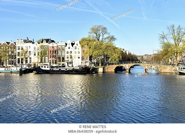 Netherlands, North Holland / Noord-Holland, Amsterdam, Amstel River, Bridge over Nieuwe Keizersgracht canal