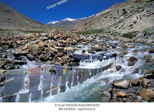 Prayer flags near Honupatta, Zanskar, Ladakh, Indian Himalayas, Jammu and Kashmir, northern India, India, Asia