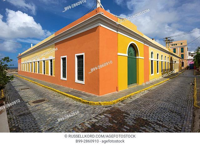 COBBLESTONE STREET COLORFUL PAINTED BUILDINGS CALLE VIRTUD OLD TOWN SAN JUAN PUERTO RICO