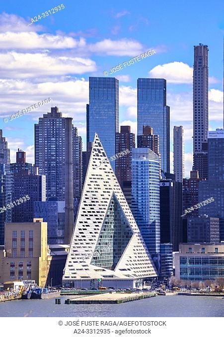 USA, New York City, Manhattan, Midtown Manhattan Skyline, The Landmark at 57 street