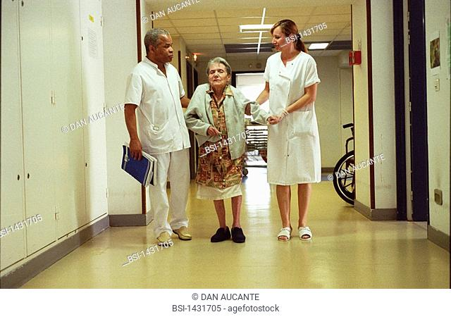HOME FOR THE AGED<BR>Photo essay from hospital.<BR>Photo essay in nursing home for the elderly in Paris. Alzheimer's patient and nurses