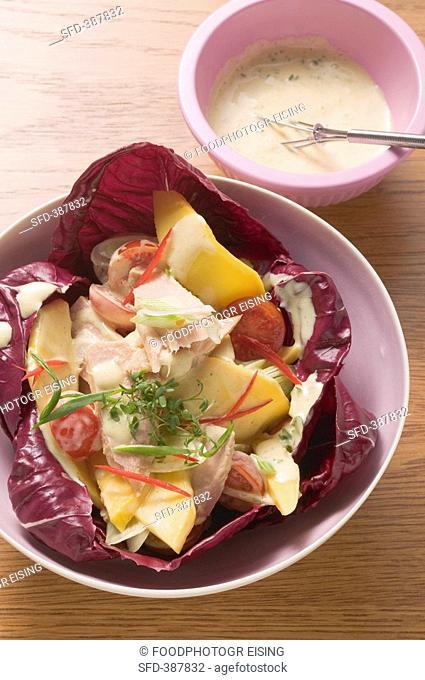 Mango salad with tuna