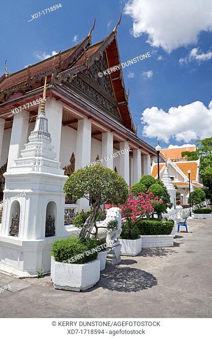 Ubosot Ordination Hall, Wat Prayurawongsawat Warivihar Wat Prayoon, Thonburi, Bangkok, Thailand