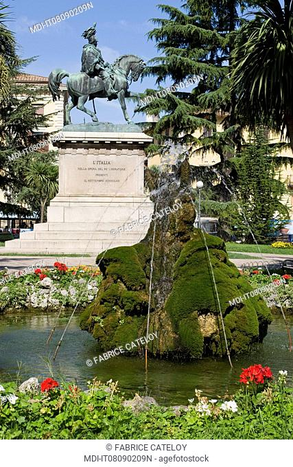 Fountain on the Piazza Italia