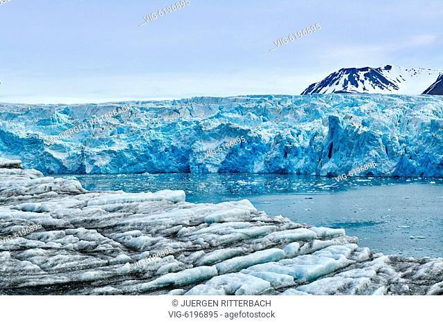 blue ice of glacier Dahlbreen on Svalbard or Spitsbergen, Europe - , Svalbard, 26/06/2018