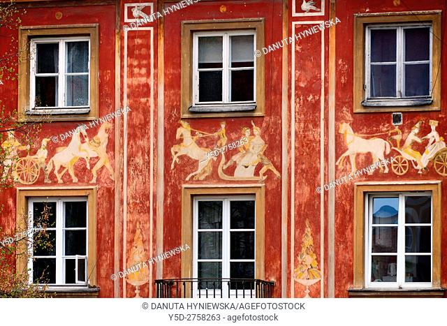 Architectural detail, painting on front facade of townhouse, Rynek Nowego Miasta, New Town Market Place, Warsaw, Poland, Europe