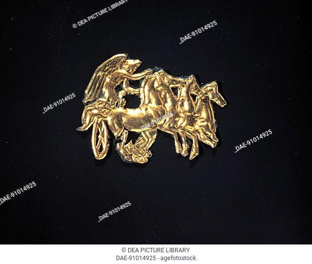 Greek civilization, 4th century b.C. Goldsmithery. Gold plaque. From Vergina, Royal Tombs.  SALONIKA, ARHEOLOGIKÓ MOUSSÍo (ARCHAEOLOGICAL MUSEUM)