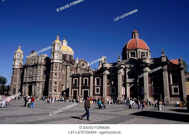 The Old Basilica of Guadalupe Bas-lica de Nuestra Seora de Guadalupe is built on top of Tepeyac hill,north of Mexico City