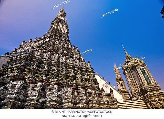 Wat Arun Temple of Dawn on the Chao Phraya River, Bangkok, Thailand