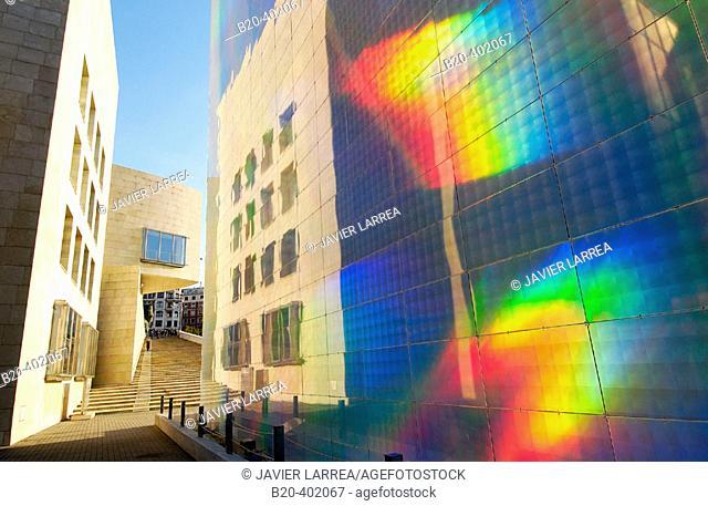 Quantum Field X3 exhibition, by Hiro Yamagata. Structure covered with holographic panels. Guggenheim Museum. Bilbao, Bizkaia. Euskadi
