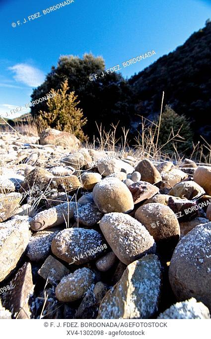 Arba de Luesia river in winter  Luesia  Cinco Villas  Aragon  Spain