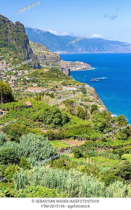 Arco De São Jorge on north coast Madeira seen from Miradouro Beira da Quinta, Madeira, Portugal
