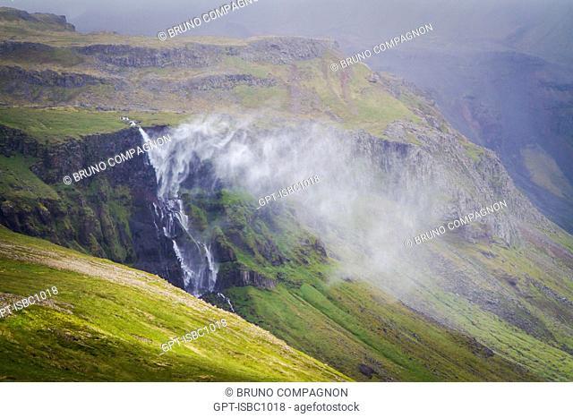 WATERFALL ON THE SNAEFELLSNES PENINSULA, NORTHWEST ICELAND, EUROPE