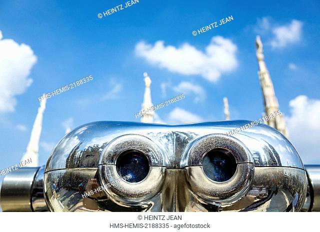 Italy, Lombardy, Milano, roof of the cathedral