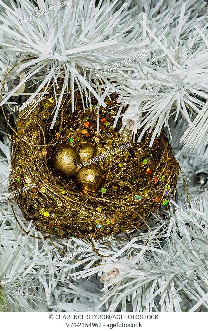 Christmas Decorations 2014 Nest of Golden Eggs