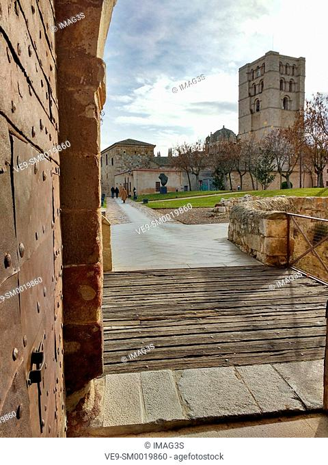 Zamora cathedral from the door of the casttle, Zamora, Castile-Leon, Spain