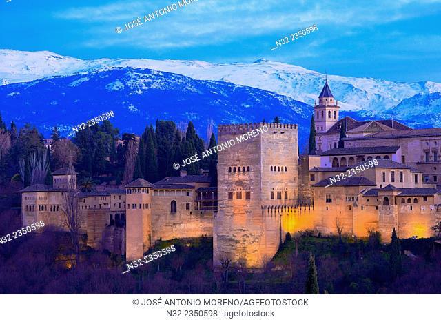 Alhambra, UNESCO World Heritage Site, Sierra Nevada and la Alhambra at Dusk, Granada, Andalusia, Spain
