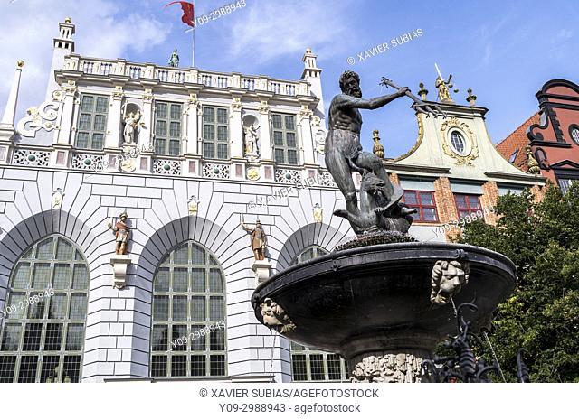 Neptune fountain and Arthur's Court,, Long Market, Gdansk, Poland