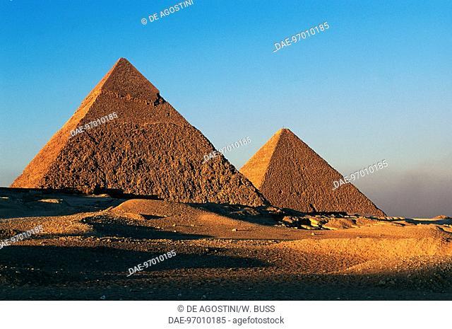The Pyramids of Khafre or Chephren and Cheops, Giza Necropolis (UNESCO World Heritage List, 1979), Egypt. Egyptian civilisation, Old Kingdom, Dynasty IV