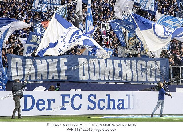 """Transparent by fans of FC Schalke 04 with the words """"""""Thank you Domenico!""""""""; Thanks to former coach Domenico Tedesco; Soccer 1"""