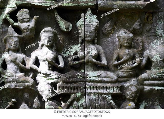 Bas relief carvings at the hidden jungle temple of Beng Mealea, Siem Reap Province, Cambodia, South East Asia, Asia