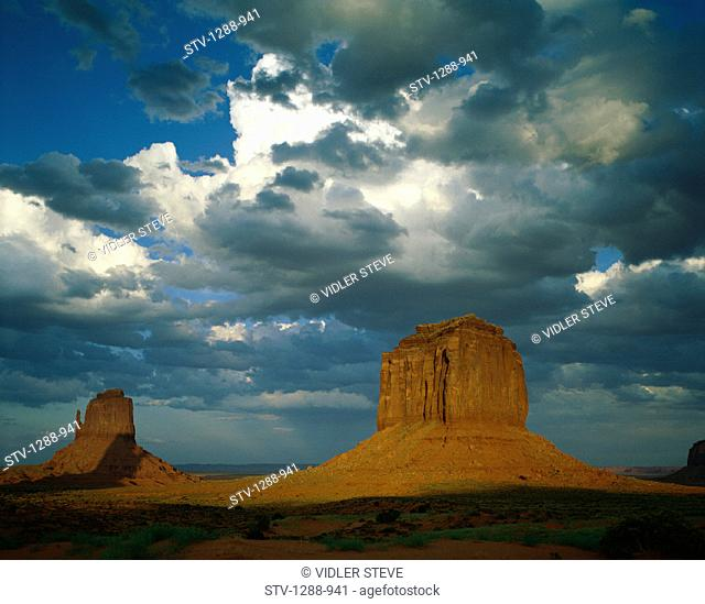 America, Arid, Arizona, Barren, Buttes, Clouds, Desert, Dry, Holiday, Isolated, Isolation, Landmark, Mesas, Monument valley, Roc