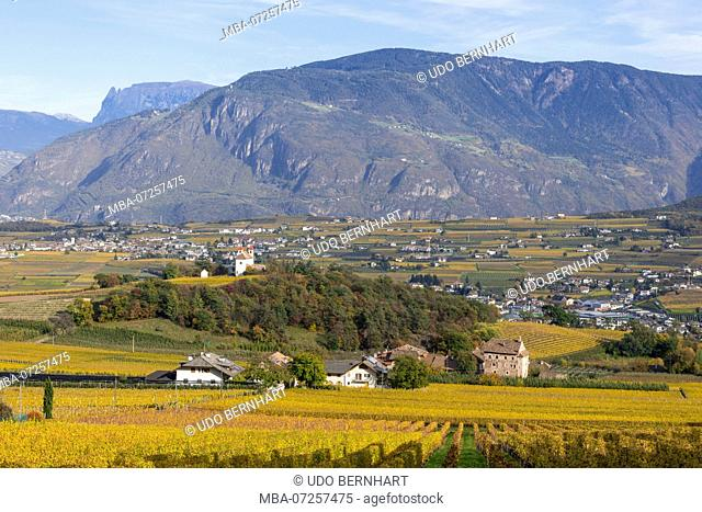 Italy, South Tyrol, Alto Adige, Überetsch, South Tyrol's South, Wine Route, Girlan, Ignaz Niedrist Winery, View from Eppan to Holy Cross Church and Castle Moos