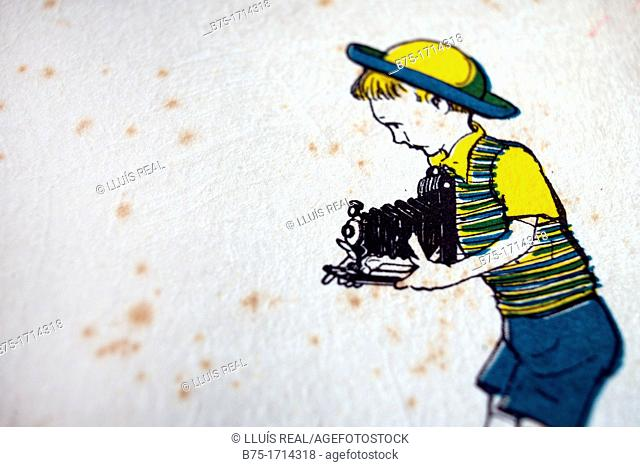 drawing of a child with a old camera taking a photo