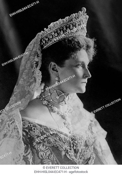 Czarina Alexandra Feodorovna, Alix of Hesse, the Empress Consort of Russia, 1908. She was the wife of the last Czar of Russia, Nicholas II (BSLOC-2017-2-6)